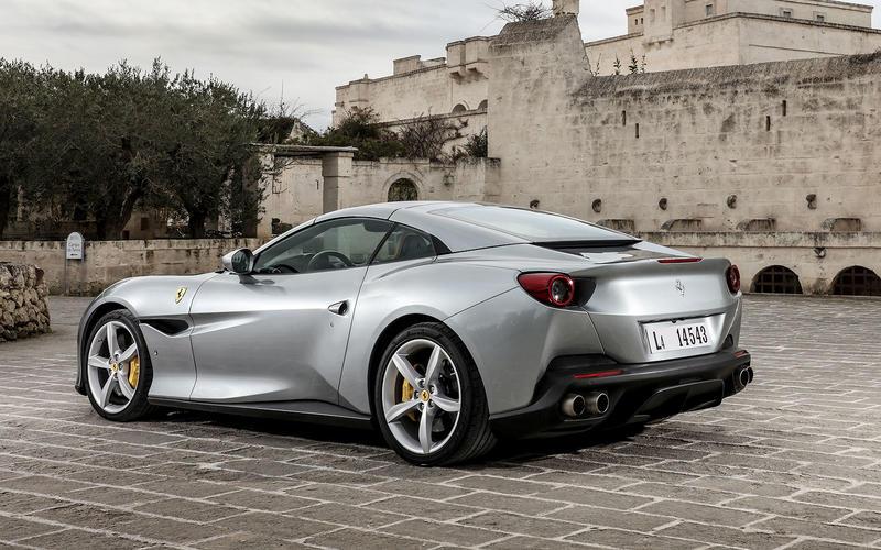 Ferrari: parking cameras