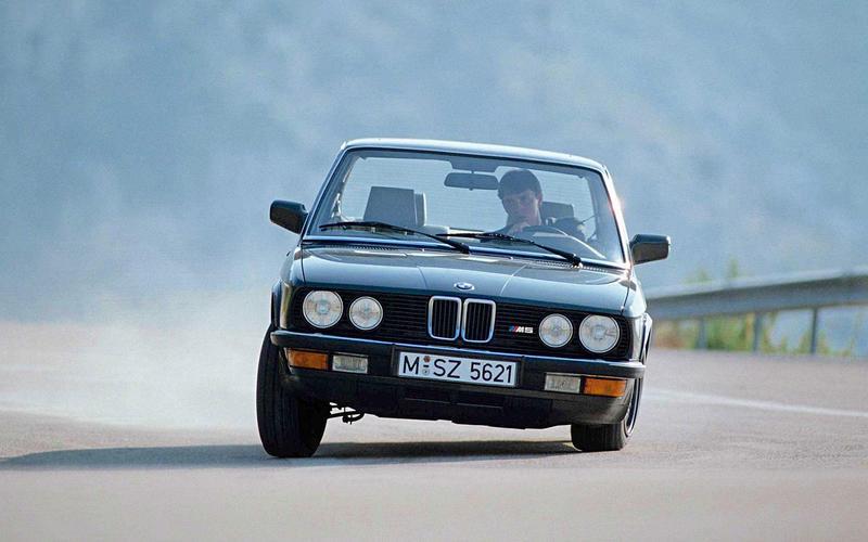 BMW M5 E28 (1984)