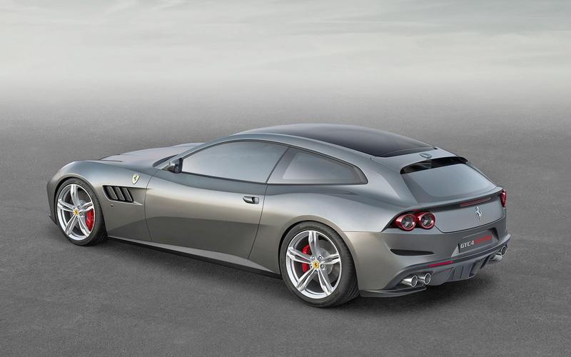 Ferrari GTC4 Lusso: panoramic roof