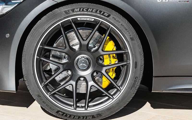 Mercedes-AMG: ceramic brakes