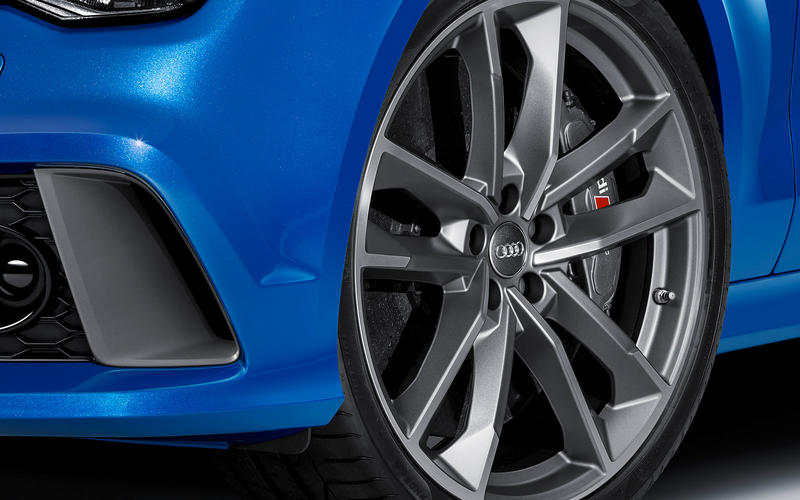 Audi RS6 ceramic brakes
