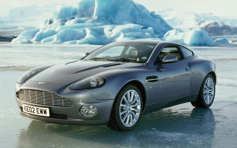 Aston Martin Vanquish (Die Another Day, 2002)