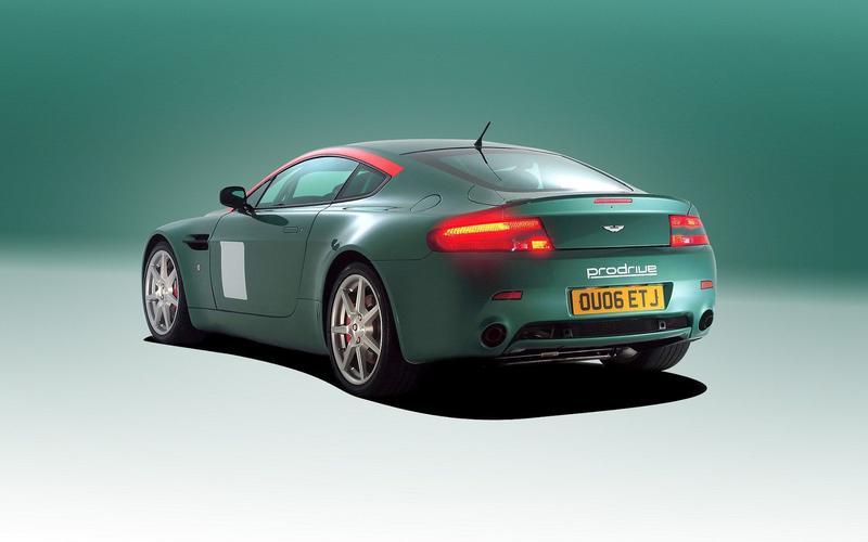 Aston Martin V8 Vantage - 2006