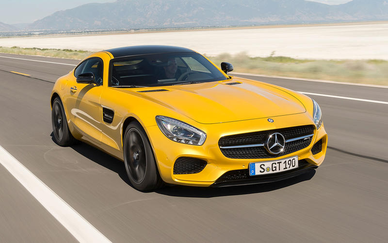 Mercedes-AMG GT: yellow paint