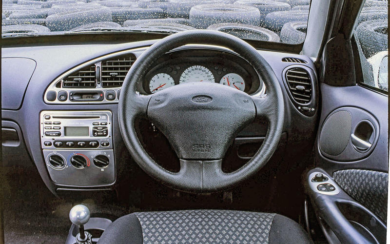 Ford Puma (1997-2002) - interior