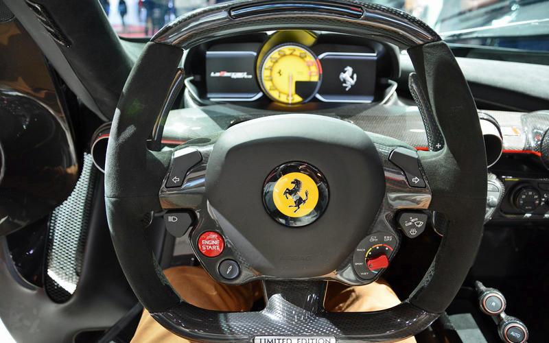 Ferrari – manettino dial