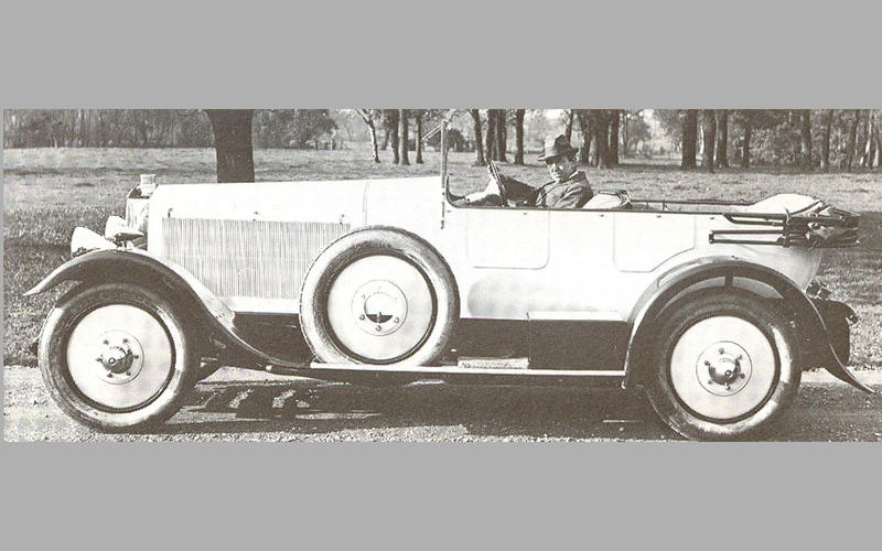 SERVO/BOOSTER-ASSISTED BRAKES: Leyland Eight (1920)