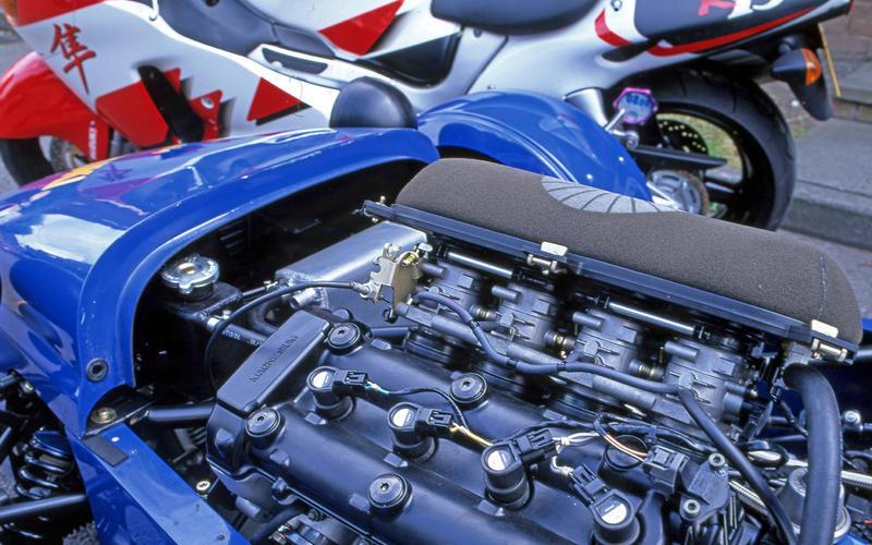 Westfield Megabusa (2000-onwards) – engine