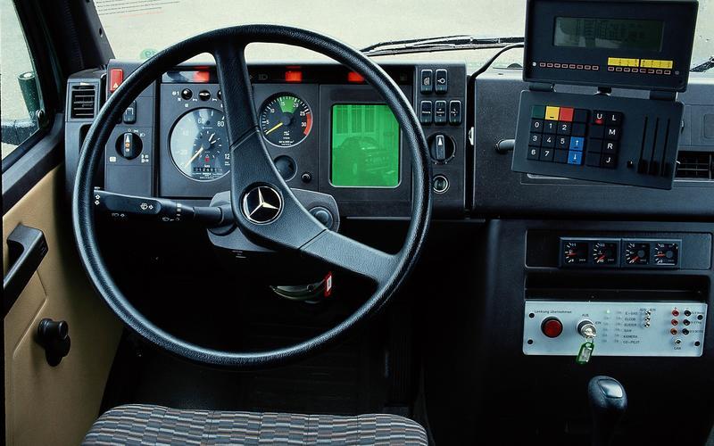 Mercedes-Benz launches the PROMETHEUS program (1986)