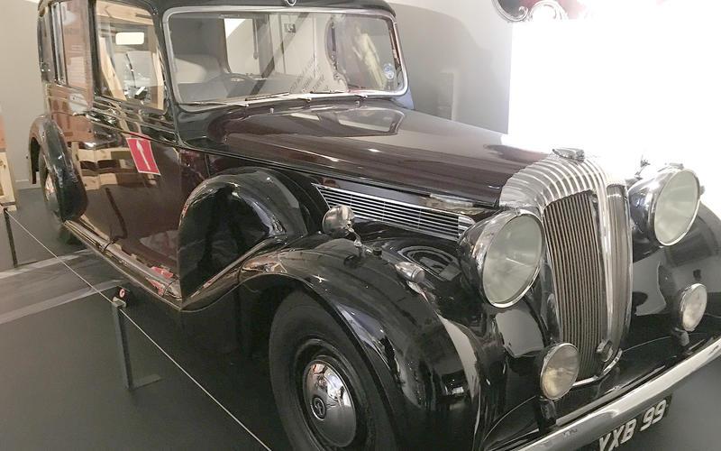 Daimler Limousine (1947)