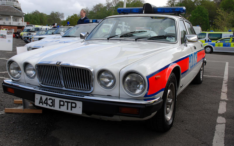 65: Jaguar XJ6 (Britain)