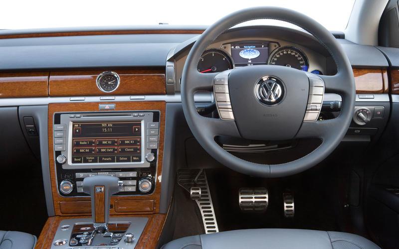 VW Phaeton (2002-2006) - interior