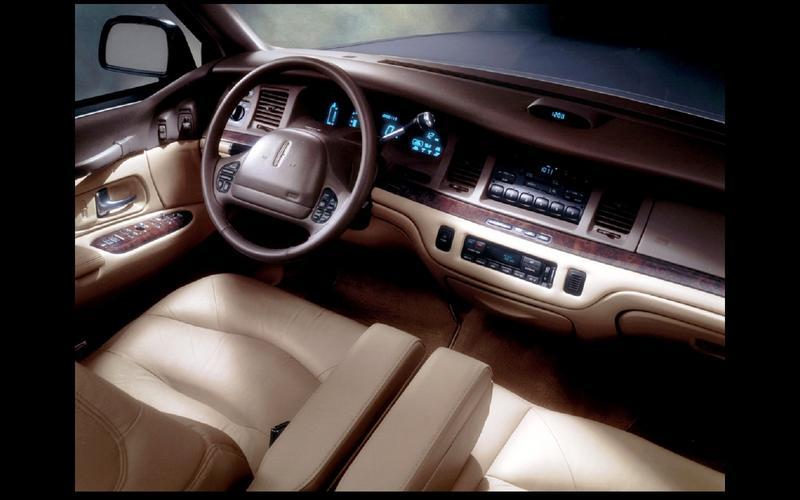 Lincoln Town Car (1990)