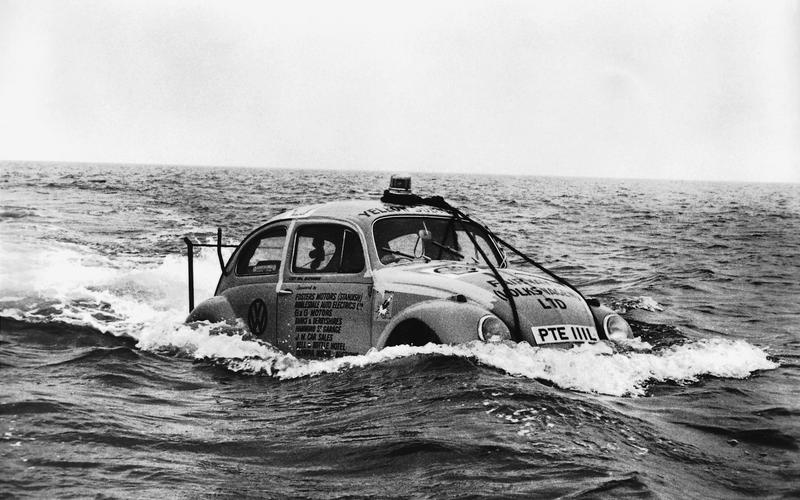 The Beetle swims (1964)