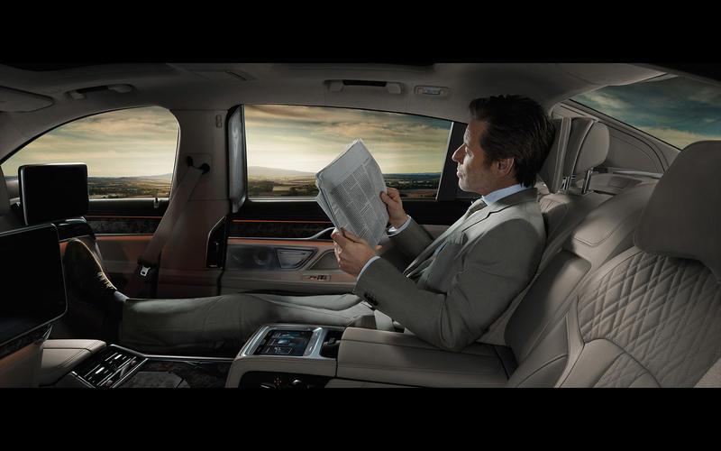 BMW M760i xDrive: Executive Lounge Tier 2