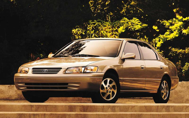Toyota Camry (Christmas with the Kranks, 2004)