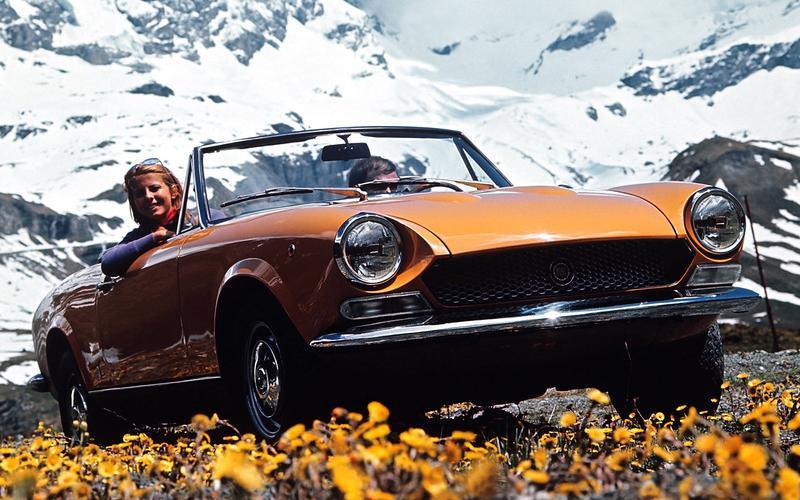 Tom Tjaarda's hit: 1966 Fiat 124 Spider