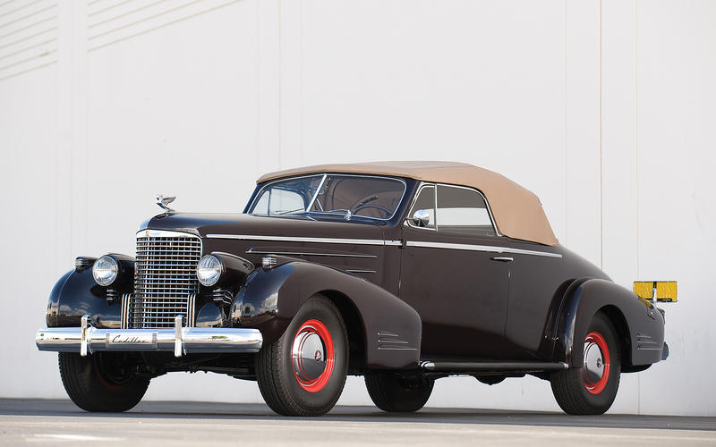 14: 1939 Cadillac Series 39-90 Convertible Coupe