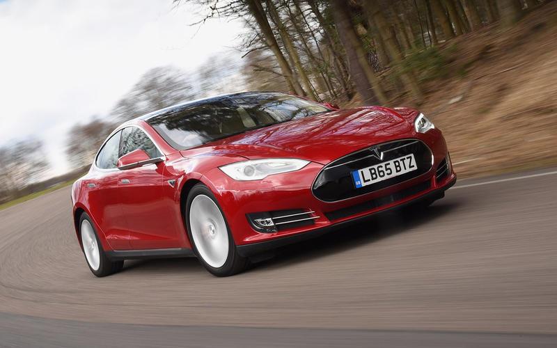 Tesla Model S (2014)