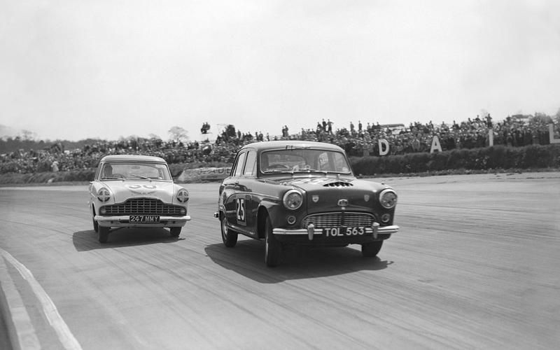 1958: Jack Sears claims the first championship
