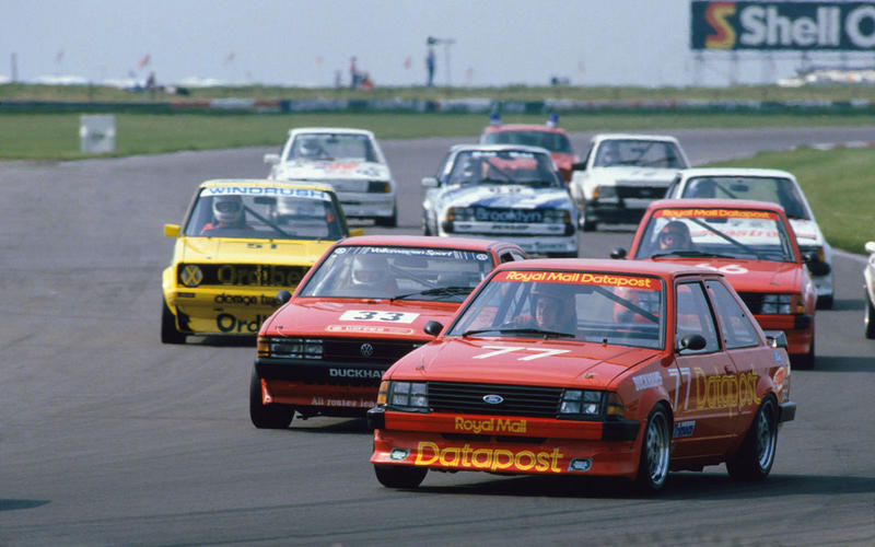 1984: Longman heads the flying Fords