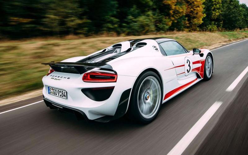 3: Porsche 918 Spyder: 1min 5.70secs