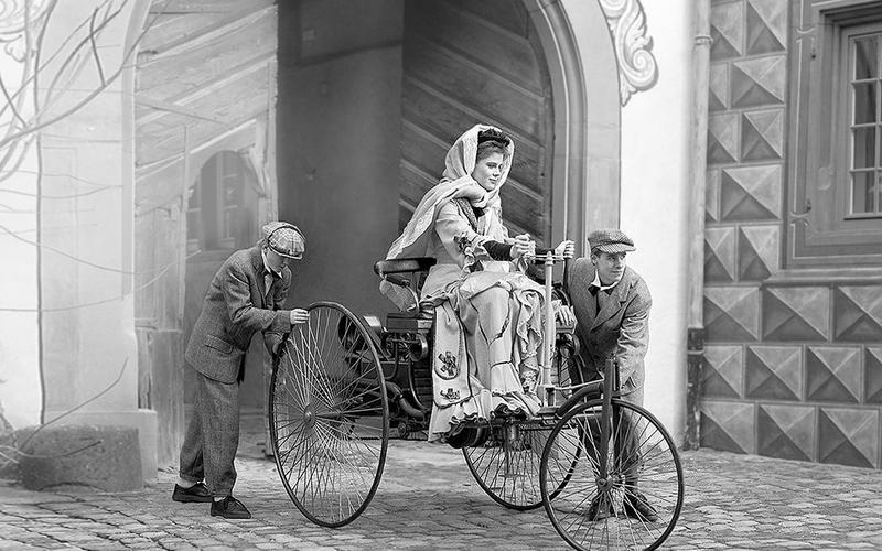 FIRST CAR: Benz Patent-Motorwagen (1886)