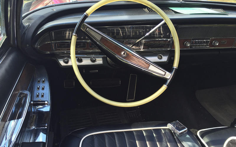 Chrysler Imperial Crown Convertible: Interior