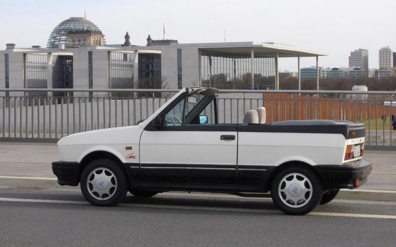 Yugo Cabrio (1990)