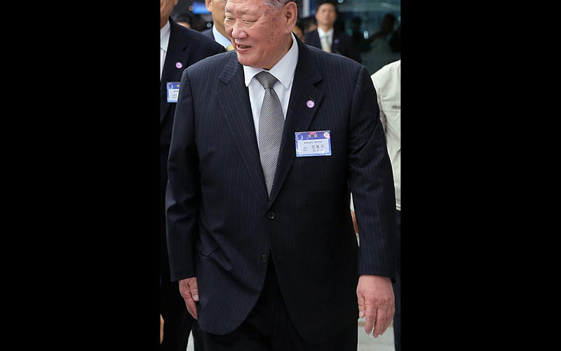 Chung Mong-koo & family - US$14.8 billion