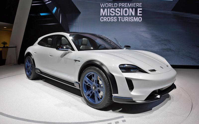 Porsche Mission E Sport Turismo (2021)