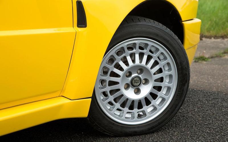 Lancia Delta Integrale (1984)