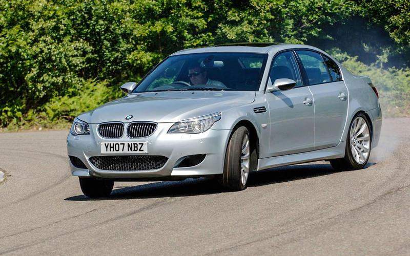 BMW M5 E60 (2005)