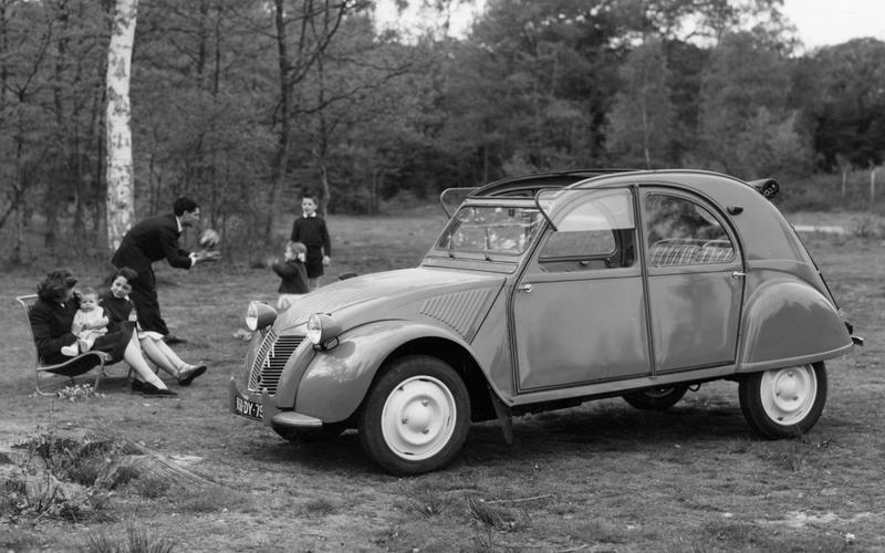 Citroën 2CV (1948-1990) – 42 YEARS