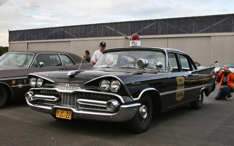 54: Dodge Coronet Police Car (USA)