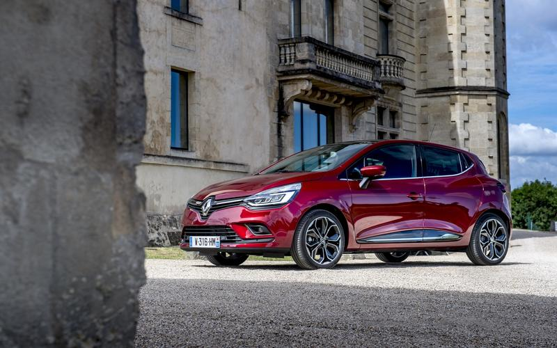 Portugal: Renault Clio – 15,076 vehicles sold