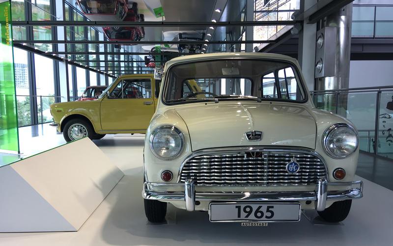 Mini (1956)