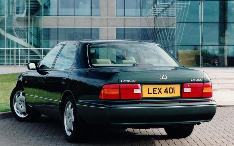 Lexus LS400 (1989)