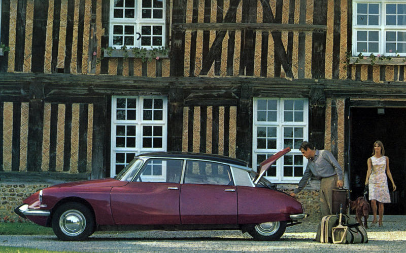 SELF-LEVELLING SUSPENSION: Citroen DS (1955)