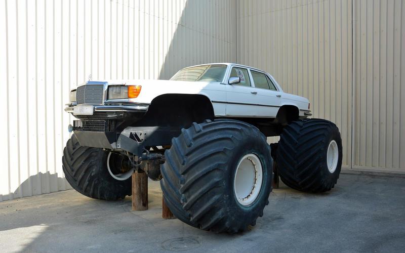 Mercedes-Benz W116 monster truck