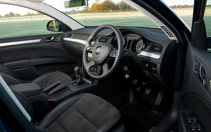 Skoda Superb 3.6 V6 - interior