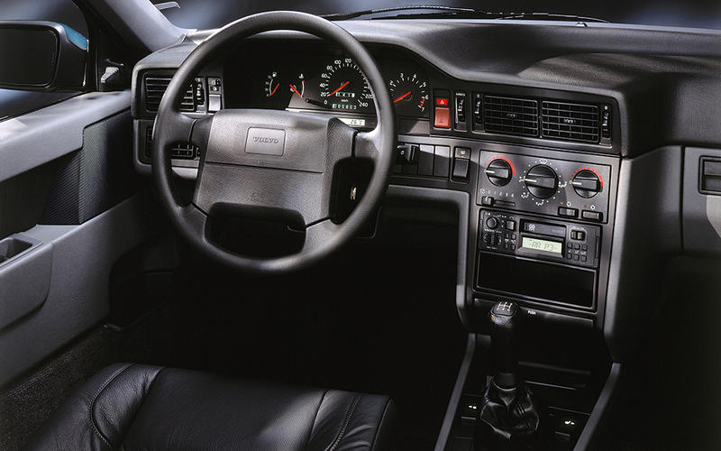 Volvo 850 T5-R Estate (1995-1996) - interior