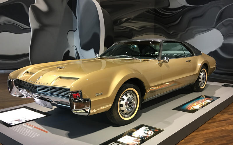 Oldsmobile Toronado (1966)
