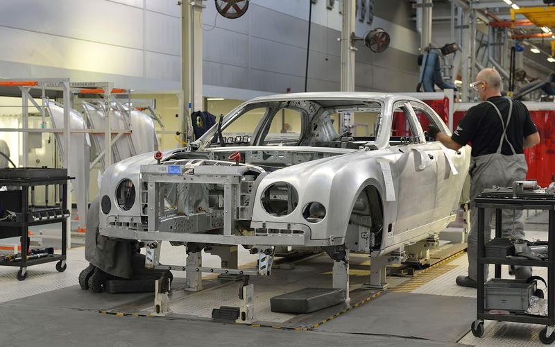 Volkswagen buys Bentley (1998)