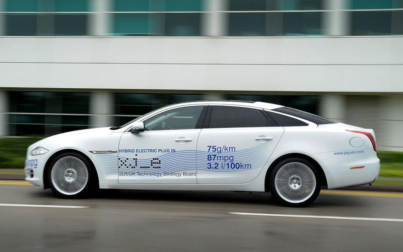 Jaguar XJ_e (2012)