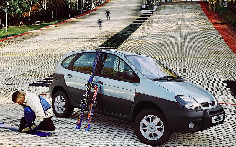 Renault: Scenic RX4