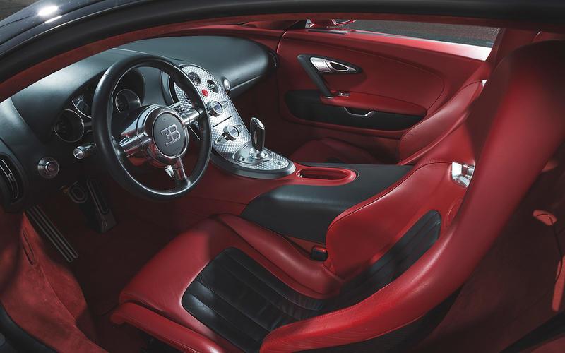 Bugatti Veyron: Interior