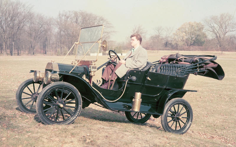 Ford Model T (1908-1927) – 19 YEARS