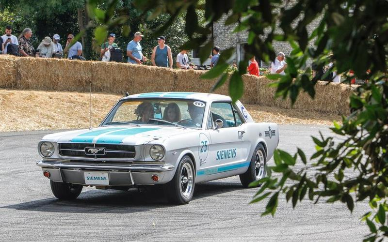 autonomous Ford Mustang