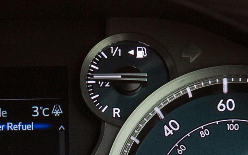 Jim Moylan: fuel gauge arrow